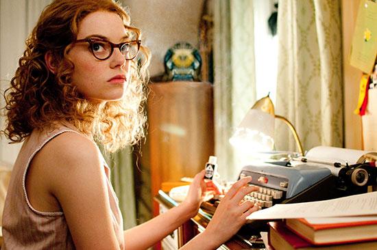 Fotoğraf The Help (2011) adlı filmden. Oyuncu: Emma Stone